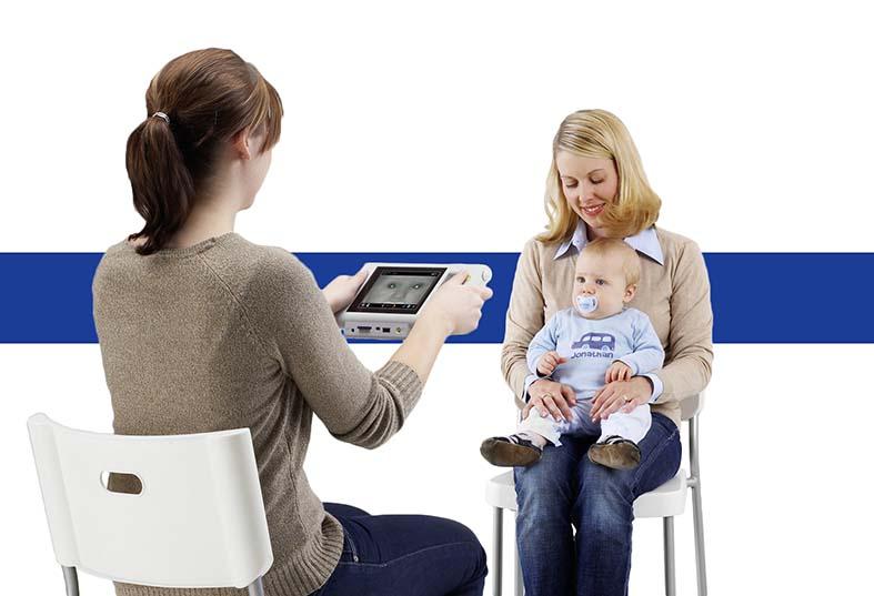 Дистанционное измерение рефракции маленького ребенка прибором Плюсоптикс А12